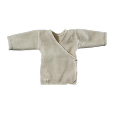 susiauciamas-megztinis-sonuose-uzsegamas-spaudemis